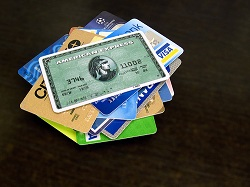 How to Manage Multiple Credit Cards, Without Messing Up Your Finances!