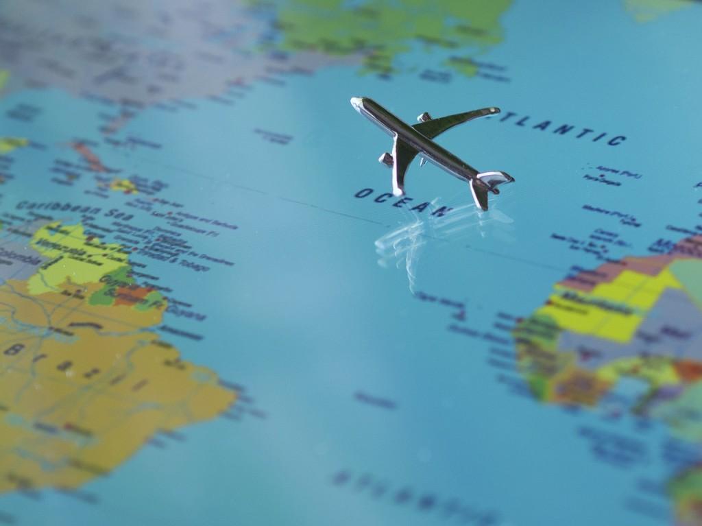 aircraft-723888_1280