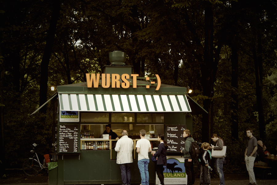 lunch-germany-kiosk-line