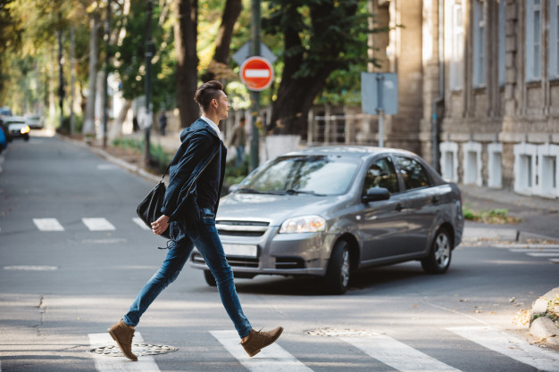 Walk to Work Day: 3 Comfortable Outfit Ideas for Walking to Work
